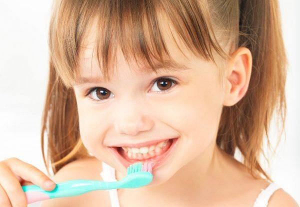 Como-estimular-os-seus-filhos-a-cuidar-da-saude-bucal-1200x675-1
